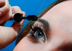 Andare a letto truccate aumenta il rischio di un'infezione agli occhi